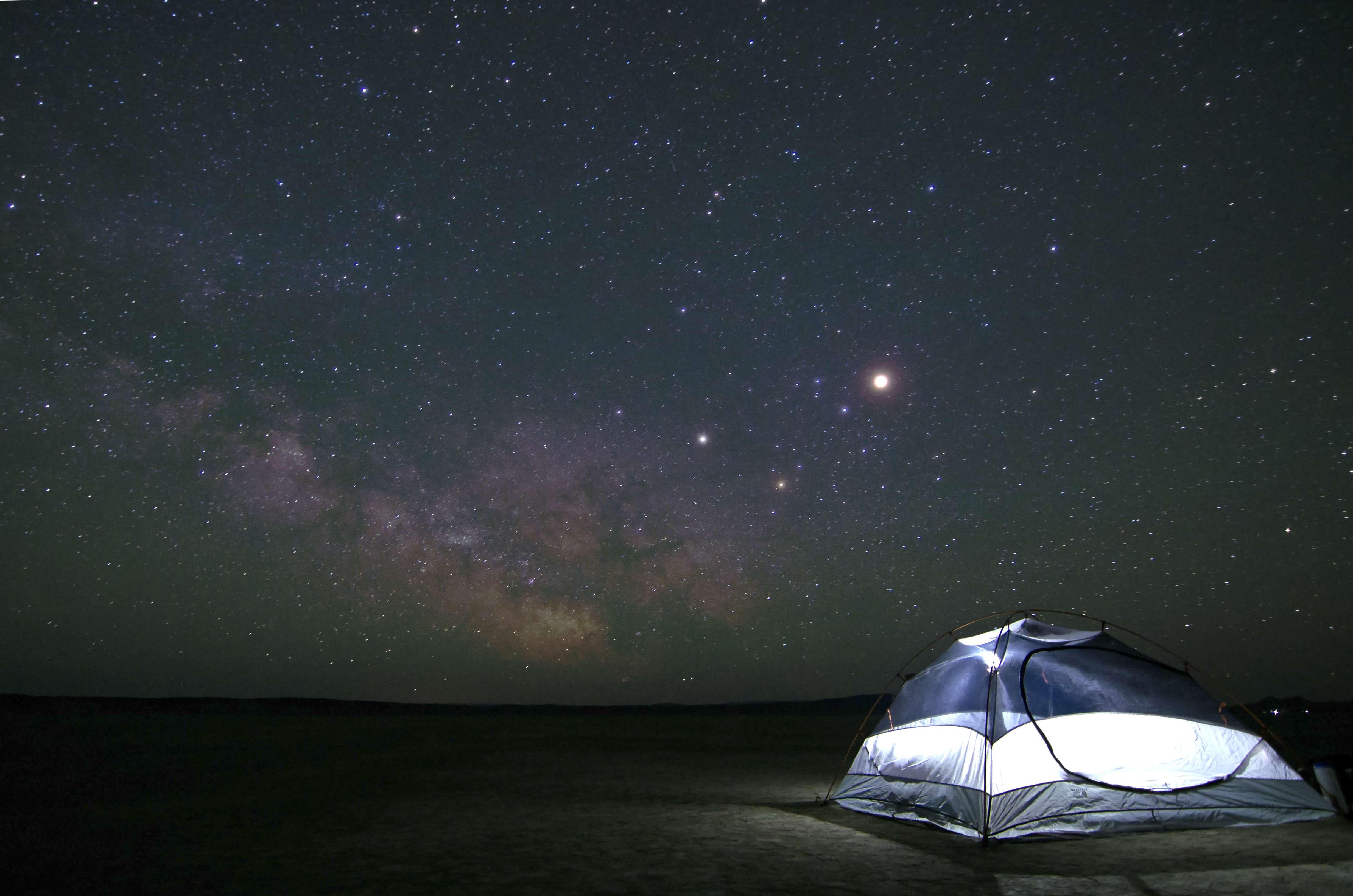 星空のなかでキャンプ