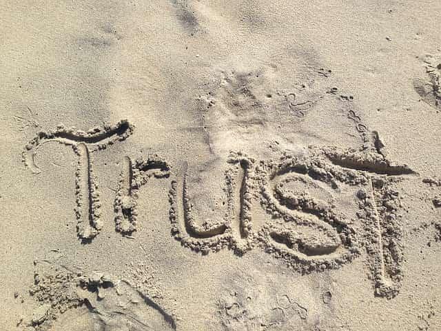 砂に刻まれた「信頼」