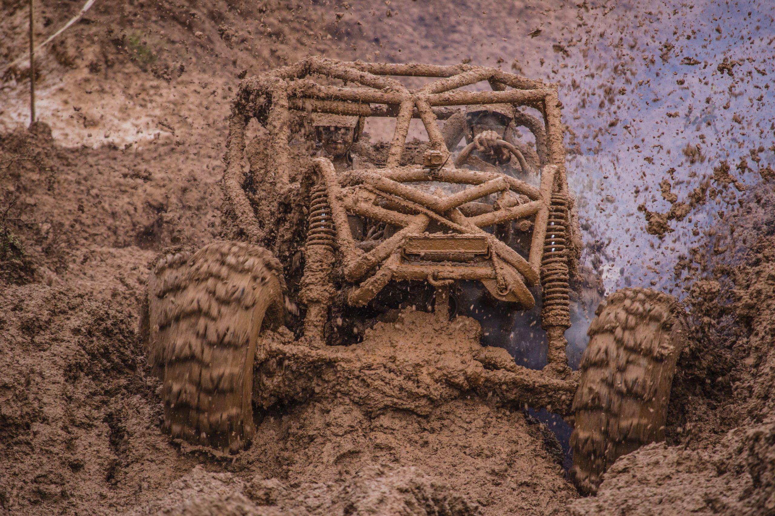 泥まみれの戦車