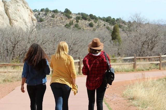 友達と一緒に歩こう
